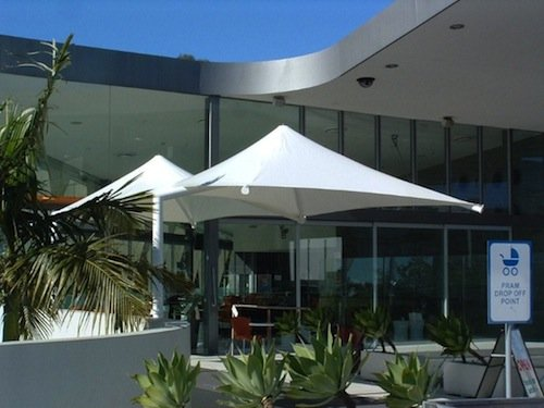 Commercial shade umbrellas