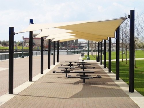 Large shade area with shade sails