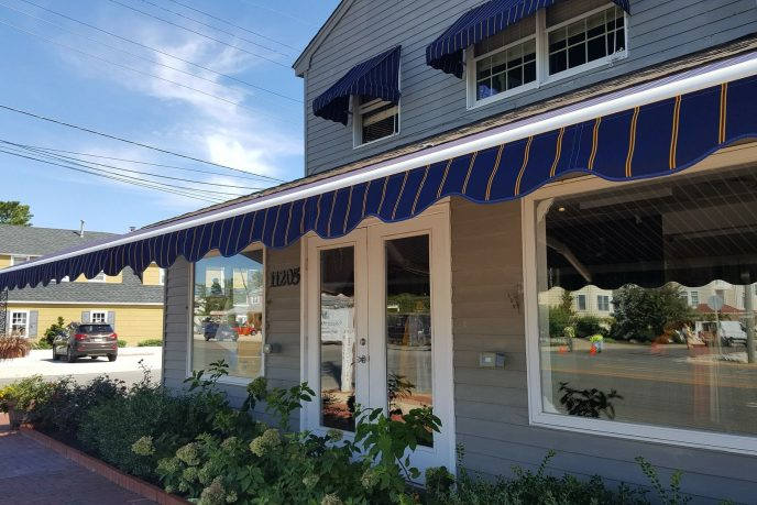 4 Reason to Invest in Doorway Awnings